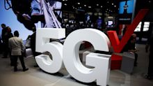 Trump Challenges U.S. Companies to Speed Work on 5G Networks