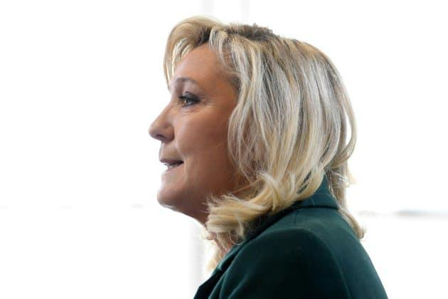 Covid-19: Marine Le Pen opposée à une réouverture des écoles ce lundi