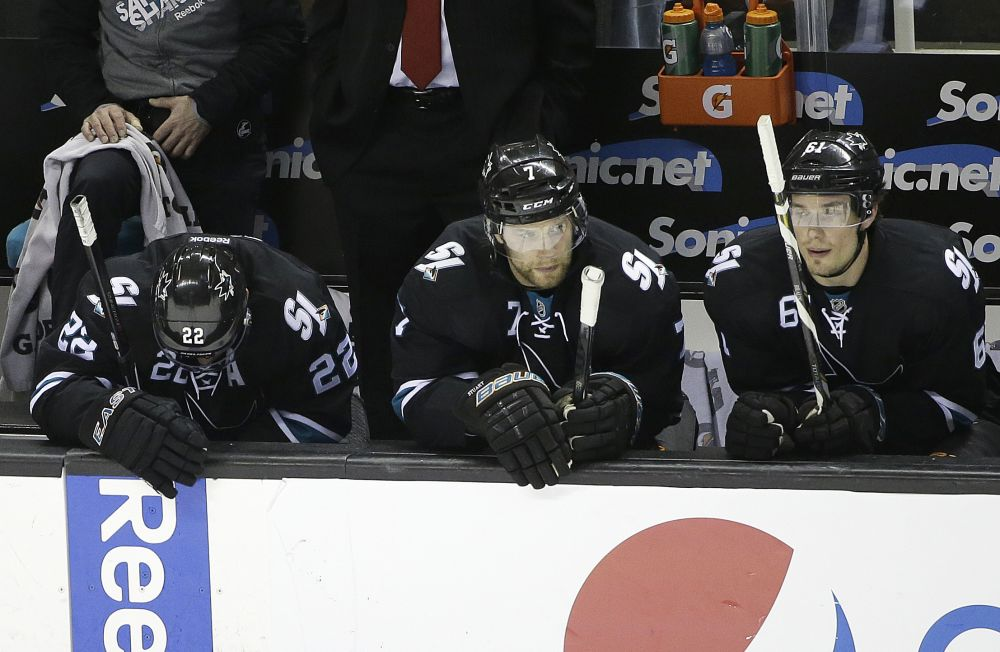 Sharks GM recommends no change in coach