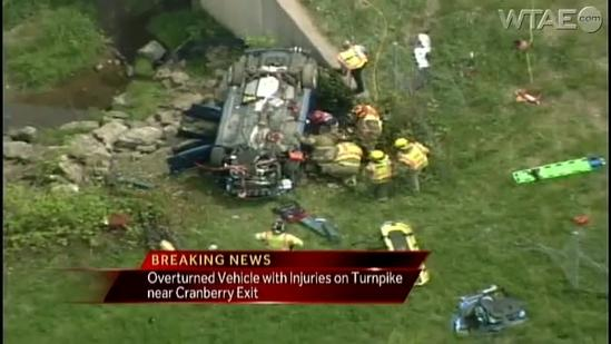 Crash sends car off Pennsylvania Turnpike in Cranberry Township