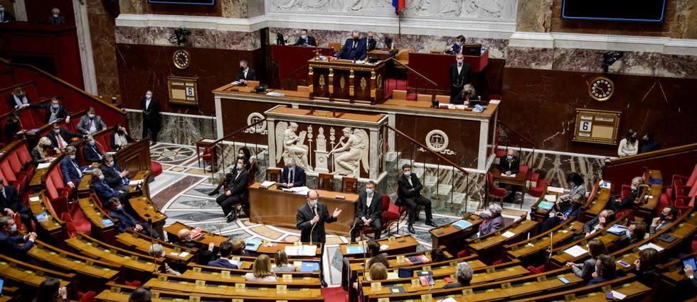 Ambiance houleuse à l'Assemblée sur l'extension du pass sanitaire