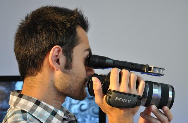 Sony NEX-VG10 HD camcorder preview