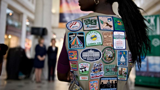 Girl Scouts warn parents not to force kids to hug relatives