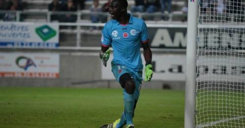 Foot - L2 - 33e j. - Reims s'effondre, Nîmes sur le podium de la Ligue 2