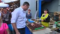 Klitschko visits Kiev market in new role as mayor