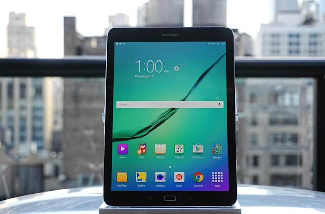 Hands-on with Samsung's shrunken-down Galaxy Tab S2