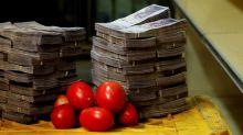La hiperinflación de Venezuela, en fotos: cuántos billetes se necesitan para hacer las compras
