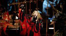 Madonna compartilha vídeo viral sobre cloroquina, e Instagram avisa que é fake news