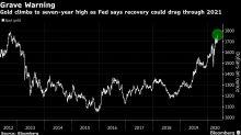 El oro se dispara a máximo de 7 años tras advertencia de la Fed