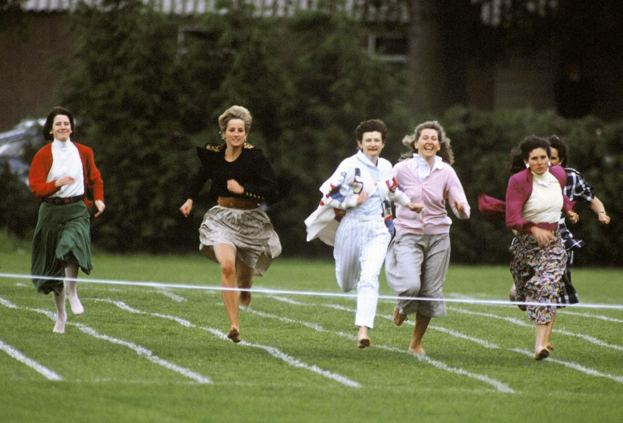 Diana gets involved in a parents' day race.
