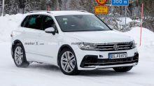 VW Tiguan R (2020) versteckt sein Facelift und zeigt vier Endrohre