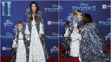 Selena Gomez y su hermana pequeña combinan sus looks en el estreno de 'Frozen 2'