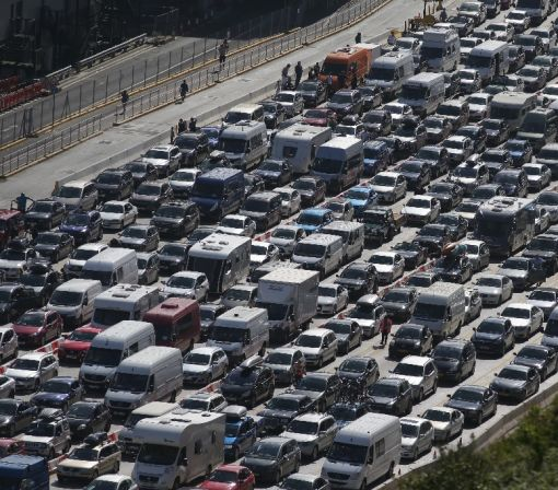 15-hour mega jam in UK as France ups border checks