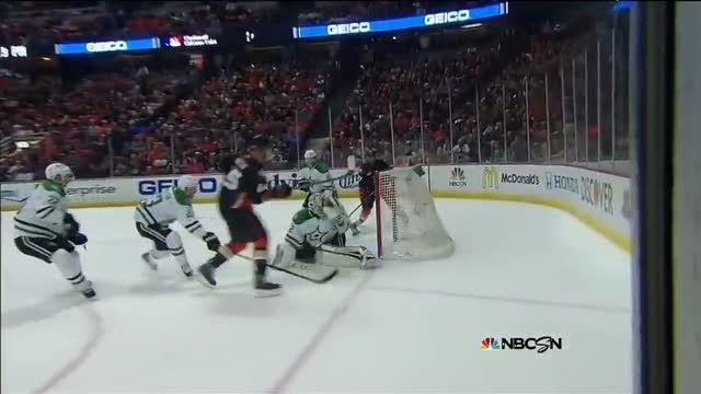 Ryan Getzlaf buries it top-shelf on Lehtonen