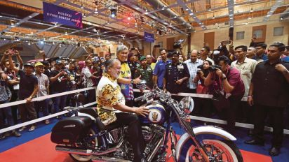 It's 'Brother Motor' not 'Mat Rempit', says Sultan of Johor
