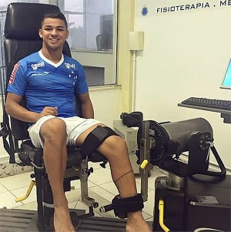 O drama de Judivan! Atacante do Cruzeiro passará por nova cirurgia