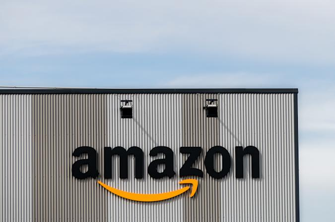 MADRID, SPAIN - 2020/08/31: Amazon logo at a logistic centre. Amazon has ordered 1,800 electric vans from Mercedes-Benz for delivery in Europe. (Photo by Marcos del Mazo/LightRocket via Getty Images)