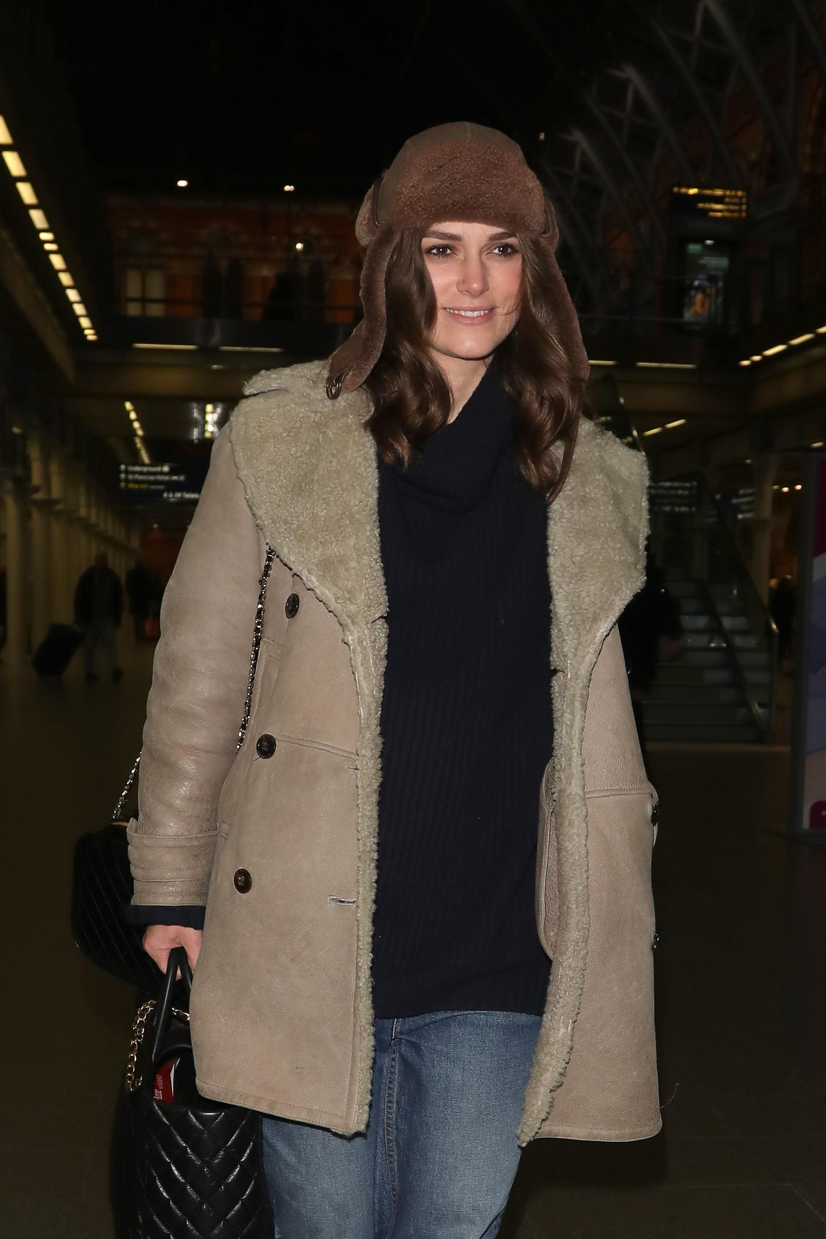 LONDON, ENGLAND - JANUARY 10:  Keira Knightley arriving at St Pancras Station on January 10, 2019 in London, England. (Photo by Mark R. Milan/GC Images)
