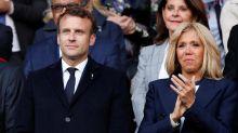 Paris: le couple Macron exfiltré d'un théâtre où des manifestants ont voulu pénétrer