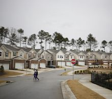 Homebuilders Slide After March Sales Miss, D.R. Horton Downgrade