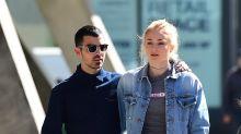 Joe Jonas y Sophie Turner, ¡comprometidos con pedrusco!