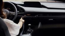 Mazda elimina las pantallas táctiles de todos sus coches para evitar accidentes por distracción