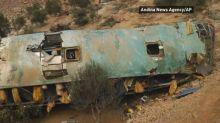 At least 30 die, 20 injured in Peruvian bus crash