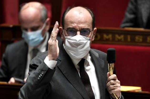 """""""Avenir lycéen"""": Castex défend Blanquer et évoque des """"affirmations dénuées de tout fondement"""""""
