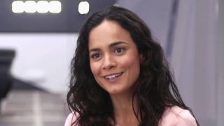 Elysium: Alice Braga On Neill Blomkamp
