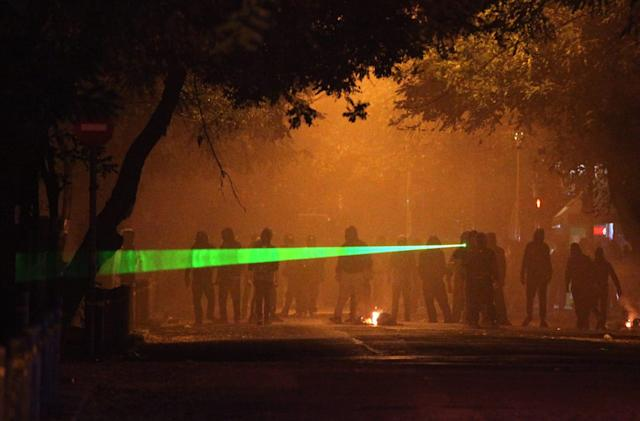 UK pilot union wants laser pens classified as offensive weapons