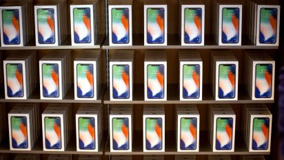 Apple's shares slip again on iPhone sales conerns