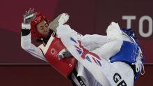 Iranian refugee beats 2-time Olympic taekwondo gold medalist