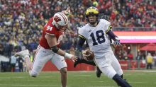 Michigan QB Brandon Peters knocked out of game vs. Wisconsin