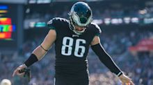 Should Patriots attempt to trade for Eagles Pro Bowl TE Zach Ertz?