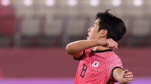 相互輝映!李剛仁進球揮棒,黃義助拉弓箭向韓國奧運隊致敬