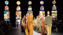 巴黎時裝周丨Dior 2021春夏時裝騷以文字圖像拼貼元素展現女性訴求 新款手袋充滿民族氣息