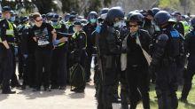 Australie: la police arrête des dizaines de manifestants opposés aux mesures de lutte contre le coronavirus