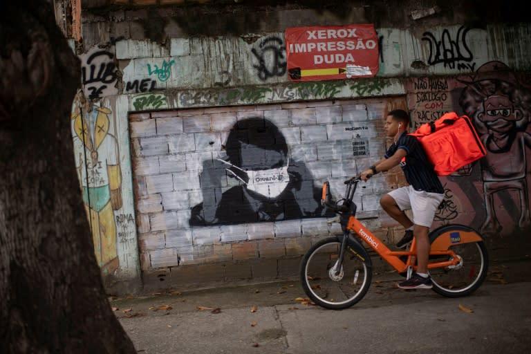 Bolsonaro questiona dados de mortes por coronavírus em São Paulo