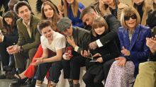 Unterstützung aus erster Reihe: Familie Beckham in der Front Row bei Mama Victoria