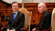 On eve of meeting pope, South Korean president speaks of peace hopes