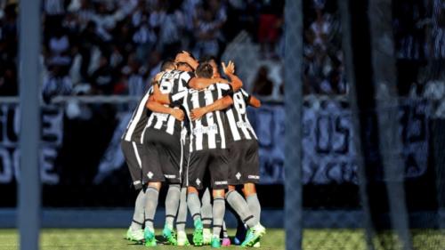 Clássicos e sequência fora na Liberta: o que abril reserva para o Botafogo