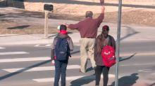 El heroico sacrificio de un guardia de 88 años que murió protegiendo a dos niños en un cruce peatonal