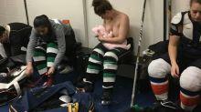 Eishockeyspielerin stillt in Kabine – und wird zum viralen Hit