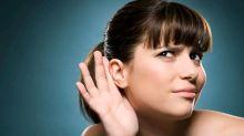 Un tapón de cera, mucosidad acumulada y otras razones por las que oyes mal