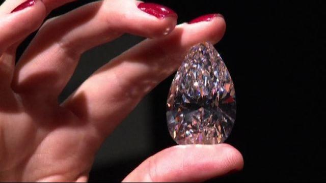 Diamante da record, venduto all'asta per 23,5 milioni di dollari