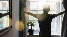 Ventanas limpias y cortinas corridas serían más beneficiosas de lo que crees