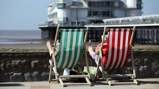Weather forecast: Dry and breezy for most - with a sunny Bank Holiday weekend ahead