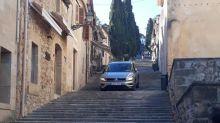 Un conductor despistado 'emula' el Calvario con su coche y sin cruz en un pueblo mallorquín