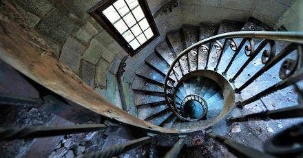 Hidden Trap Built Into Medieval Castle Is Genius