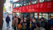 Covid-19: La diferencia entre Gobiernos que contribuyen al contagio en el transporte y los que no